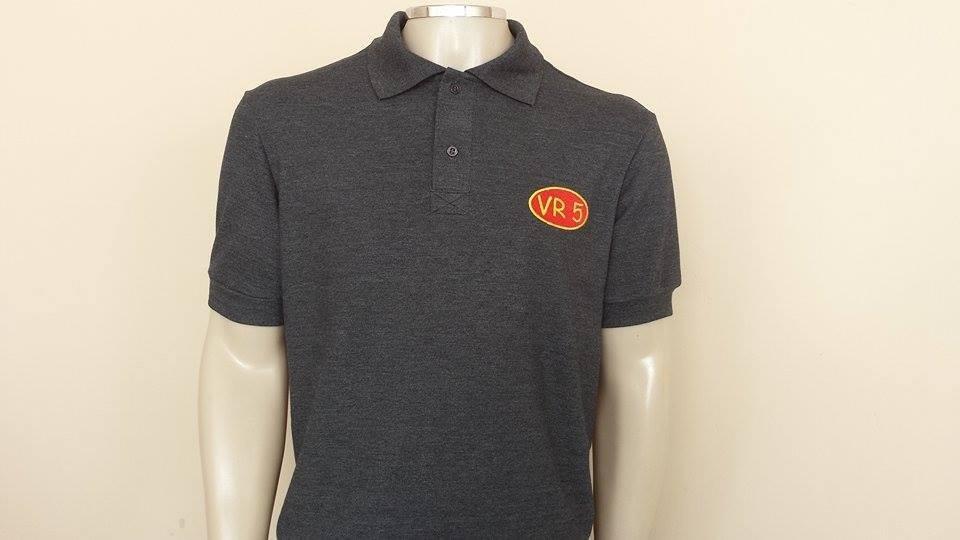 6e010aaab5 polo uniformes kit 10 camisetas 03 polos preto com logo. Carregando zoom.