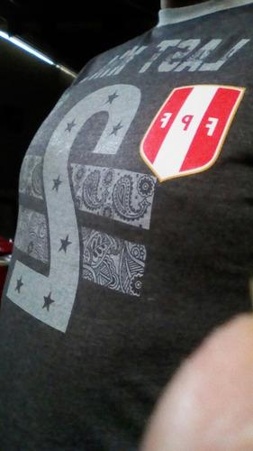 polos con insignia de la seleccion peruana de futbol