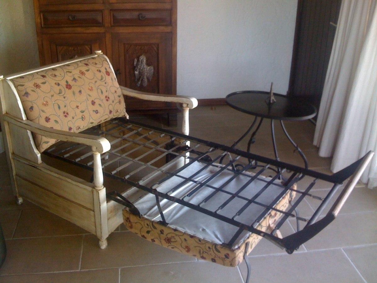 Poltrona cama en hierro y madera antiguo en for Cama hierro