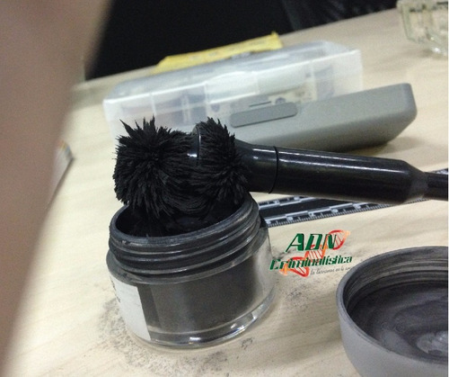 polvo magnético color negro 42 g. (1.5 oz.)