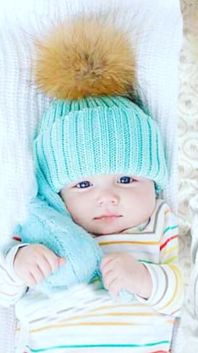 pom pom touca gorro bebe touquinha croche inverno. Carregando zoom. c3fe912884e
