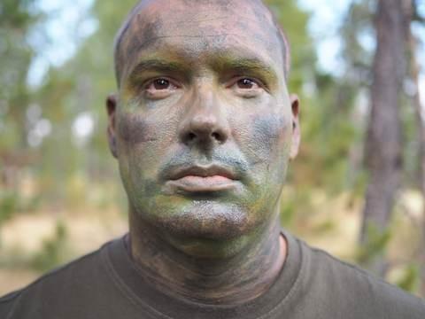pomo campaña pintura facial camuflaje crema 2 tonos t.fisica