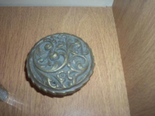pomo de bronce antiguo
