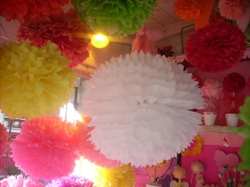 pompones globos en papel seda y guirnaldas miralos!! $4