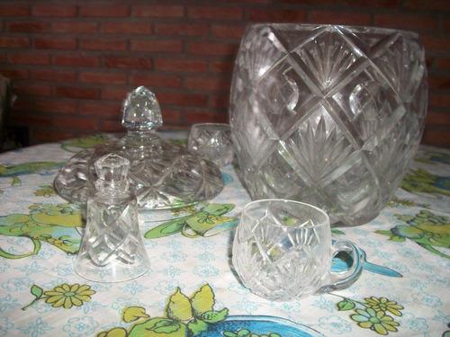 ponchera de cristal c/servidor y 10 poncheritas set completo