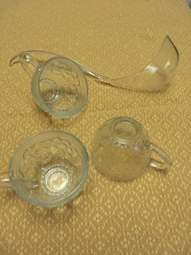 ponchera de vidrio. completa.12 tazas. 12 ganchos.cucharon.