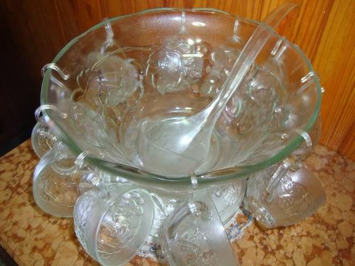 ponchera vidrio p/12 personas total 27 piezas