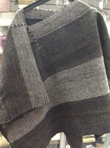 poncho corto lana bruta / tienda bauldeaperos