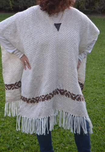 poncho/chal/ruana/telar/beige / tejidos artesanales/guarda