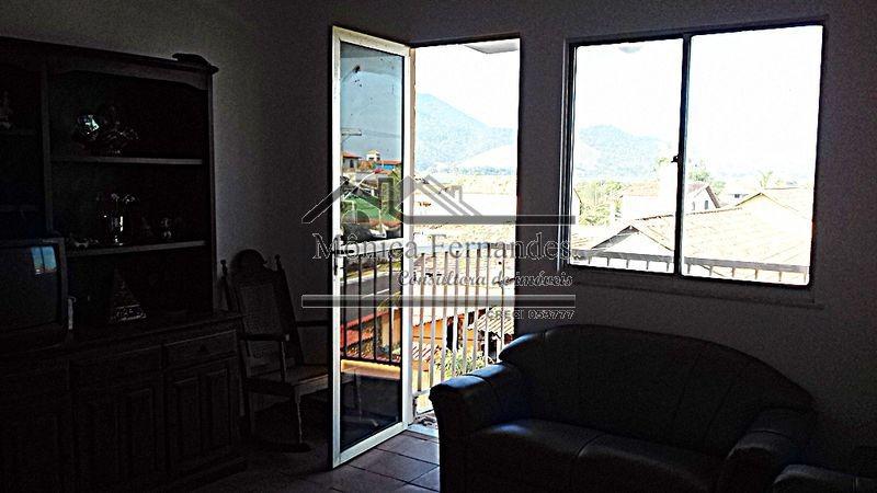 ponta negra(avenida)maricá,apto 2qtos,sala c/varandac/vista.