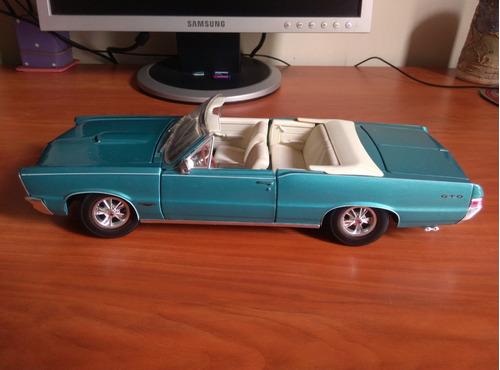 pontiac gto 1965 descapotable carro a escala 1/18