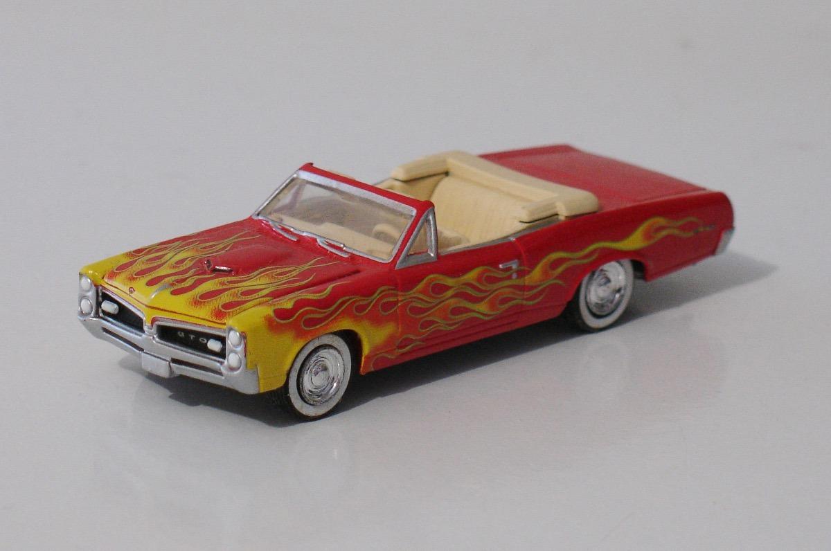 Pontiac gto 1967 muscle car garage greenlight 1 64 for Garage jm auto audincourt