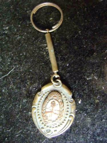 popei.- llavero escudo nacional