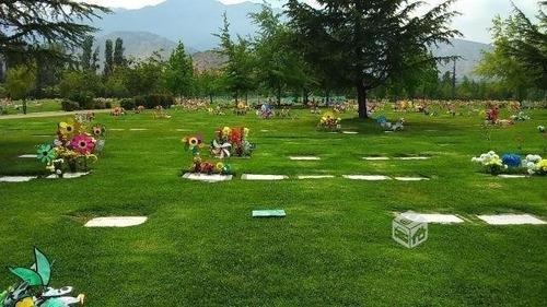 por viaje  vendo tumba parque del recuerdo lurin
