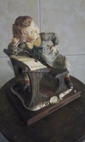 porcelana (capodimonte, armani) - estudiante - 26,5 cmtrs