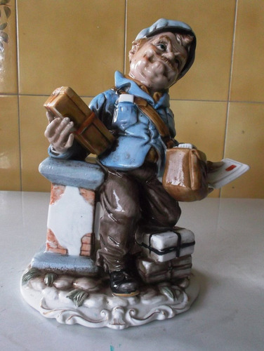 porcelana capodimonte, el cartero, original.. ofertazo