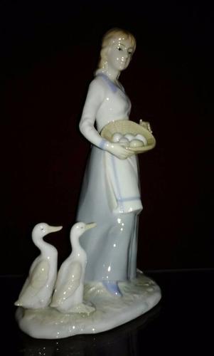 porcelana casades  granjera , 22 cmtrs