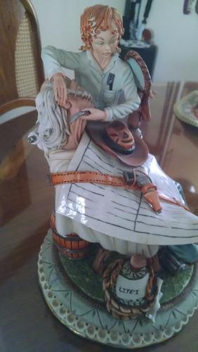 porcelana de coleccion capo di monte - el barbero