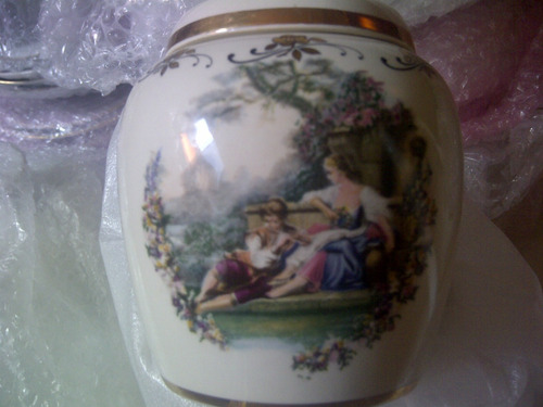 porcelana inglesa, lord nelson pottery com detalhes em ouro.