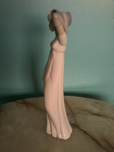 porcelana puccy spain, dama blanca 32 cmtrs