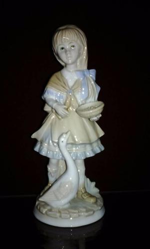 porcelana valenciana   niña   19 cmtrs