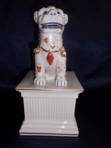 porcelana vista alegre. perro de foo o leon chino,