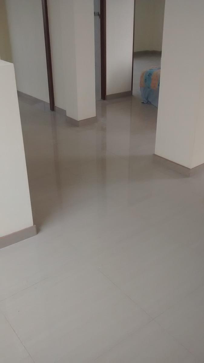 Porcelanato pisos cuartos sala comedor s 18 00 en for Pisos para comedor porcelanato