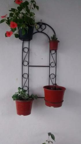 porta cactus en hierro  artesanal