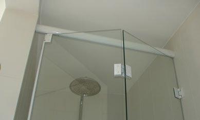 porta camarão em vidro temperado 8 mm e perfis em aluminio