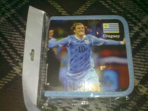 porta cd con el equipo uruguayo subasto