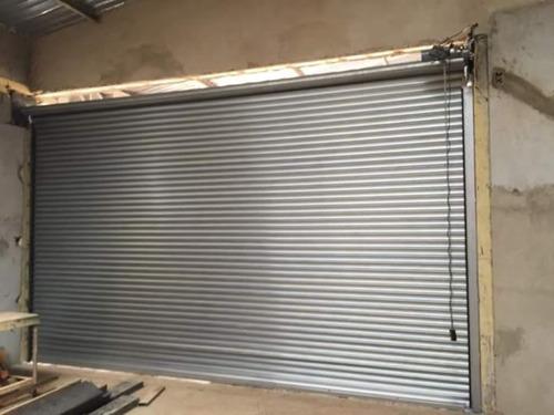 porta de aço automática  3,00 x 3,00 com 02 controles