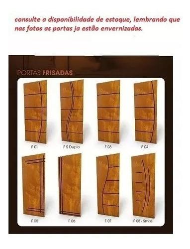 porta de correr com trilho de madeira folha frisada c/fechad