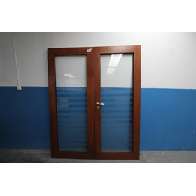 Porta De Madeira Com Vidros (dupla)