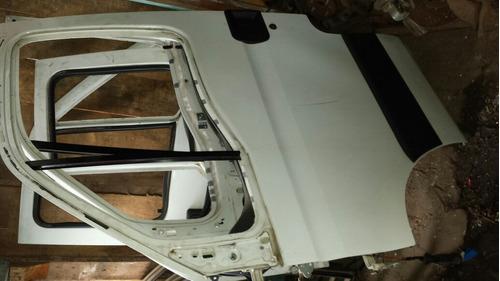 porta dianteira esquerda  iveco daily 2011