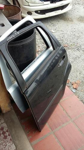 porta ford fiesta traseira esquerda.