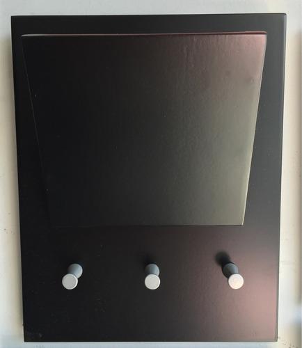 porta llave de 3 con buche en madera laqueada
