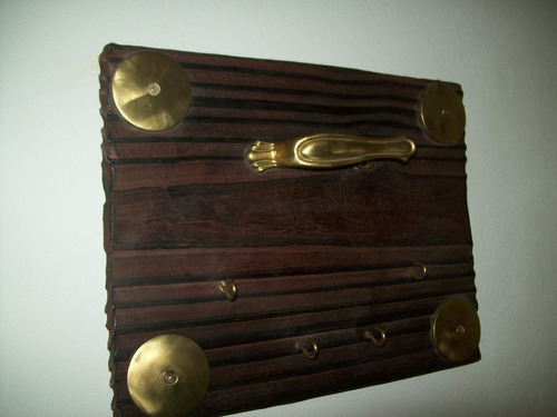 porta llaves de pared madera y bronce