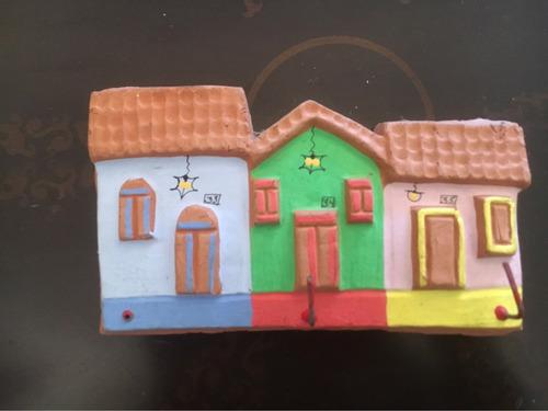 porta llaves fachada en arcilla artesania