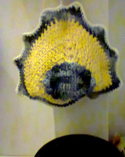 porta- papel higiênico em barbante crochê
