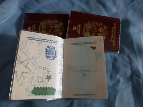 porta pasaporte o funda plastica  7840,00  bs c/u