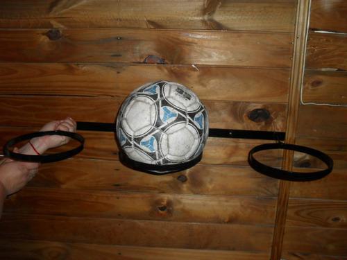 porta pelotas de hierro en la plata.