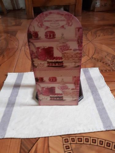 porta toallin hecho en mdf con resina