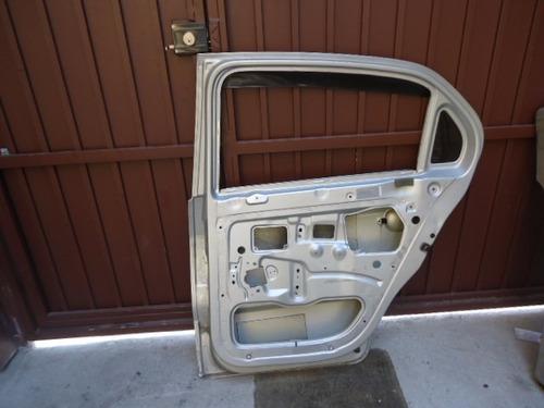 porta traseira direita original pequena avaria voyage g-5
