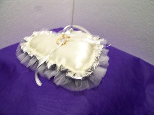 portaalianzas almohadon para llevar los anillos boda