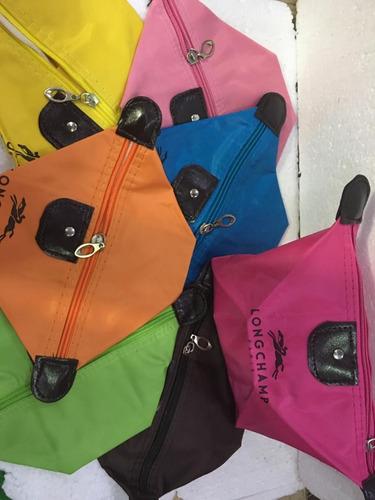 portacosméticos variedad de colores