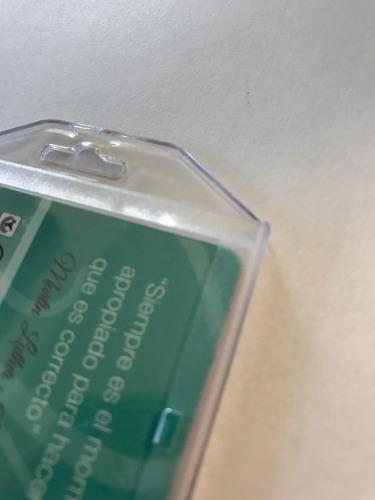 portagafete rigido acrilico translucido mixto