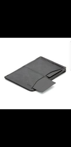 portapasaporte cartera bellroy