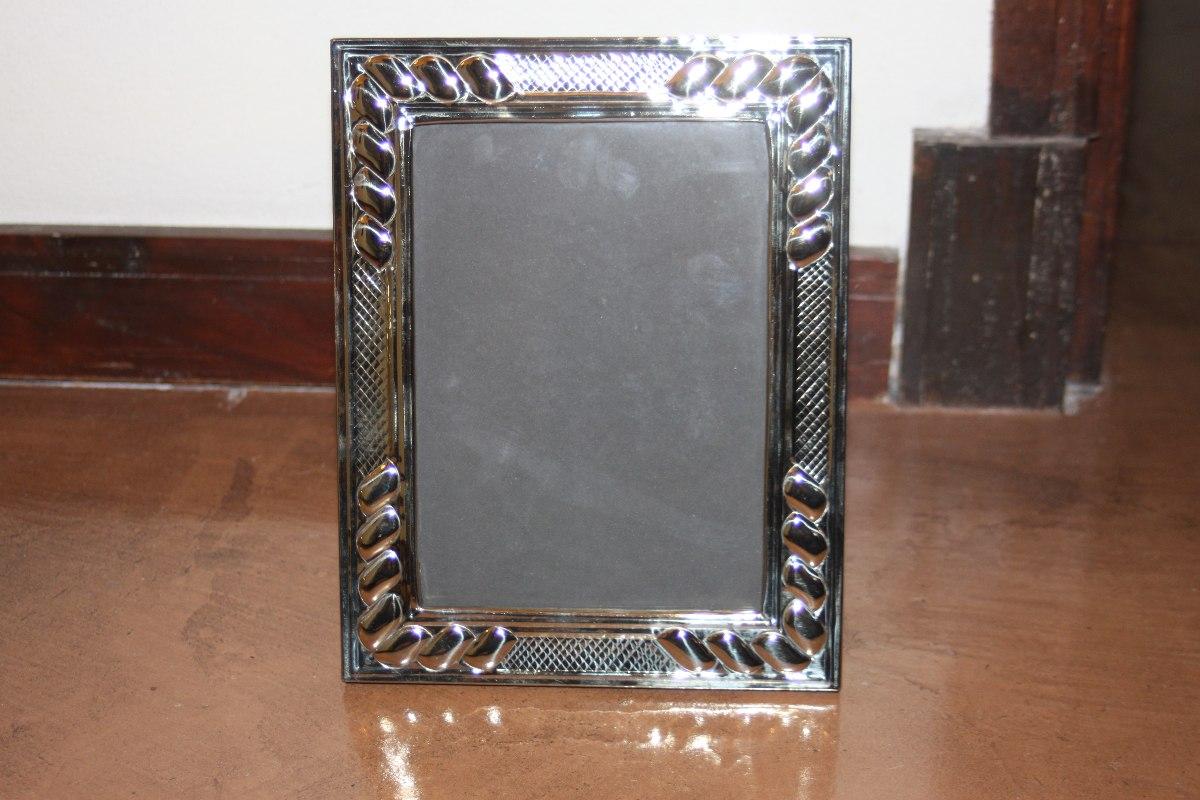 Portaretratos Con Marco De Plata 22 1/2 X18 - $ 2.900,00 en Mercado ...