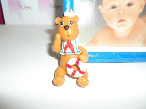 portarretato para niño de madera y oso en masa flexible