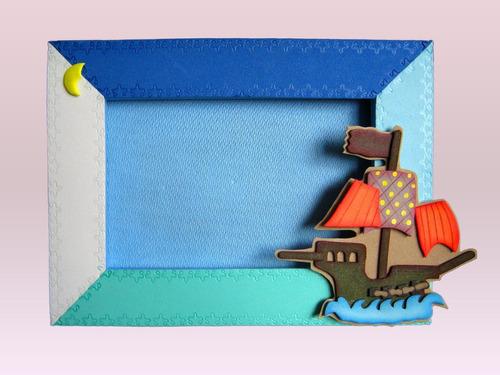 portarretratos decorados con motivos infantiles en foamy
